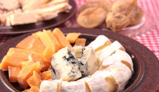 チーズ14種類のカロリーと栄養価を比較:一番高カロリーなのはパルメザンチーズです。